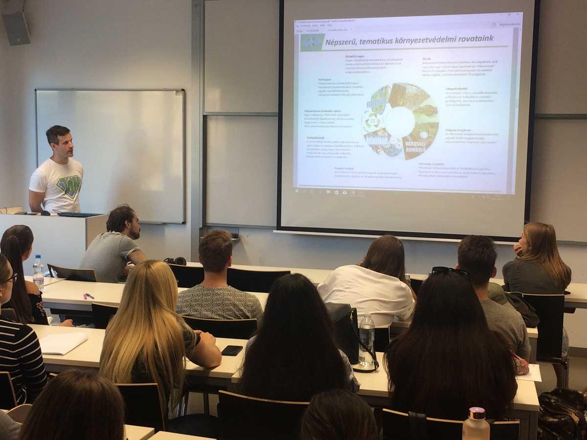 Több alkalommal adtam elő Budapest Corvinus Egyetemen. Itt éppen a jövő környezetvédelméről tartok előadást.