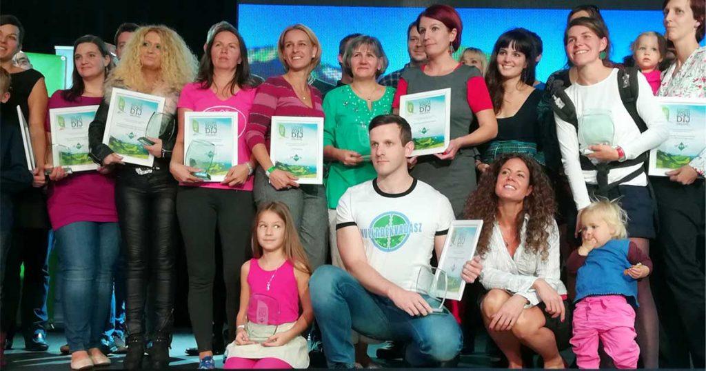 Az Ozone Tv Zöld díjának átvételekor 2017-ben. / Fotó: hulladekvadasz.hu