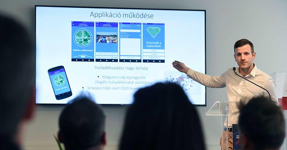Vodafone Magyarország Zrt. vezetőségének mutatom be az általam felépített Hulladékvadász applikációt. / MTI/Bruzák Noémi