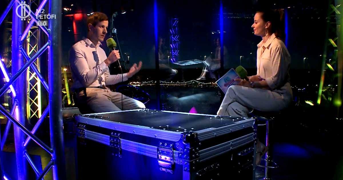 M2 Petőfi Tv üvegkapszulájában mutattam be a JÖN-t! 1