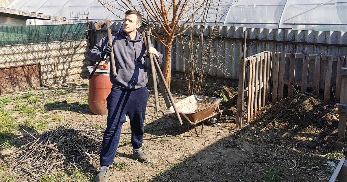 komposztálás kertben